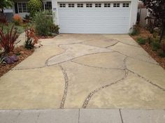 Outdoor Photos Driveway Design Ideas, Pictures, Remodel, and Decor - page 17