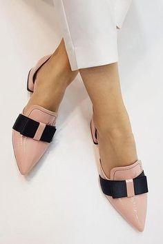 Pretty Shoes, Cute Shoes, Me Too Shoes, Cute Flats, Women's Flats, Shoe Boots, Shoes Heels, Flat Shoes, Fashion Shoes