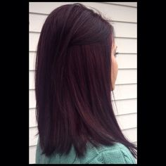 Tabitha Gibbon Haar Highlights Violet Bangs 16 Ideen # Haarnadeln Bay Window Treatments If you are l Lob Hairstyle, Pretty Hairstyles, Cherry Hair Colors, Chocolate Cherry Hair Color, Black Cherry Hair Color, Dark Cherry Hair, Pelo Color Vino, Wine Hair, Hair Color And Cut