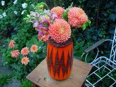 tolle Vase, rotorange, aus Keramik.    Tolles 70er Jahre Muster!    von Scheurich W.Germany