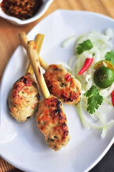 Served with love: Lemongrass Chicken Skewers Thai Recipes, Asian Recipes, Chicken Recipes, Egg Recipes, Chicken Skewers, Bbq Chicken, Grilled Chicken, Roasted Chicken, Grilling Recipes