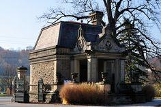 Gate house of spring grove cemetery