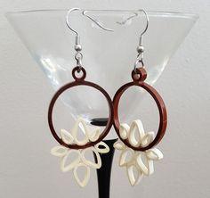 """Boucles d'oreilles """"Lotus ivoire et caramel"""" Quilling"""