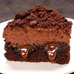 Torta Sorpresina al cioccolato e caramello - Apfel Kuchen Gourmet Recipes, Sweet Recipes, Cooking Recipes, Cooking Fish, Cooking Games, Brownie Recipes, Cake Recipes, Dessert Recipes, Torta Matilda