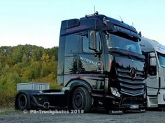 Mercedes Benz Commercial, Mb Truck, Customised Trucks, Mercedes Benz Trucks, Mp5, Cool Trucks, Heavy Equipment, Buses, Trailers