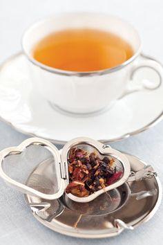 Heart-shaped silver tea infuser