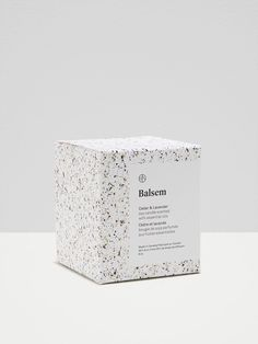 Balsem, a minimalist cosmetic brand and logo design. Gorgeous, modern and minima… Balsem, a minimalist cosmetic brand and logo design. Gorgeous, modern and minimalist label design and typography logo and a bright packaging with. Cosmetic Labels, Cosmetic Packaging, Candle Packaging, Print Packaging, Product Packaging Design, Product Labels, Packaging Boxes, Coffee Packaging, Bottle Packaging