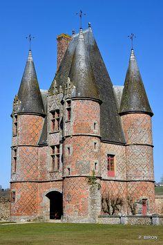 Châtelet do Castelo de Carrouges.