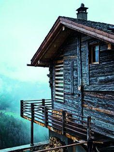 Une seconde vie pour des chalets traditionnels en Suisse