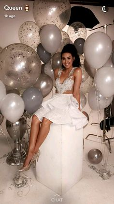 53 Ideas Birthday Balloons Pictures Happy For 2019 19th Birthday, Girl Birthday, 25th Birthday Ideas For Her, Birthday Makeup, Birthday Photoshoot Ideas, 21st Birthday Themes, Happy Birthday, 18th Birthday Dress, Outfit Photoshoot