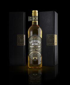 Honey Creative - Honey's Christmas Mead — World Packaging Design Society / 世界包裝設計社會 / Sociedad Mundial de Diseño de Empaques