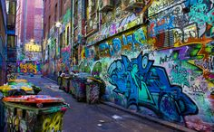 Hosier Lane Street Art is the most viewed and admired lanes for the Melbourne Graffiti scene. Even if you are not a lover or connoisseur of street art you can't Graffiti Art, Graffiti Words, Street Art Melbourne, Melbourne Graffiti, Street Mural, Street Art Graffiti, Urban Street Art, Urban Art, Photographie Street Art
