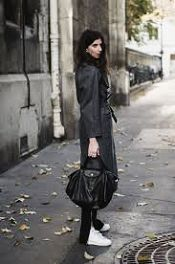 Longchamp tote 2016 Discover and fashionshop the latest women fashion street style outfit ideas you love Look Fashion, Autumn Fashion, Girl Fashion, Tokyo Fashion, Crossbody Bag, Tote Bag, Fashion Branding, Latest Fashion For Women, Fashion Handbags