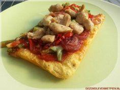 Pizzabodem die glutenvrij, granenvrij en koolhydraatarm is én je uit je hand kunt eten. Weer eens iets anders dan een bloemkool of broccolibodem :) Broodbuik - LCHF