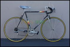 Lightweight Vintage 80's 58cm Peugeot! Made in France with Vitus fork and frame tubing!