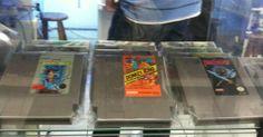 Cartuchos clássicos do Nintendinho em exposição no Museu do Videogame