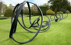 Loopy Benches - The 'Huge Sudeley Bench' by Pablo Reinoso at Sudeley Castle (GALLERY)