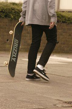 Skate skate  http://www.creativeboysclub.com/