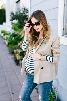 Maternity Wear - Comfort Nursing Clothes, breastfeeding tops at EDLPE Fall Maternity, Stylish Maternity, Maternity Fashion, Maternity Style, Pregnancy Looks, Pregnancy Outfits, Maternity Outfits, Pregnancy Belly, Early Pregnancy