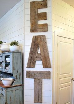 19 DIY Home Decor Ideas on a Budget - reclaimed wood EAT sign / wall art #DIYHomeDecorCraftsOnABudget