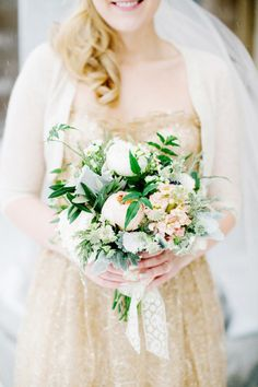 Winter bouquet: http://www.stylemepretty.com/2014/10/01/chic-chicago-wedding-at-the-greenhouse-loft/ | Photography: Olivia Leigh - http://olivialeighweddings.com/