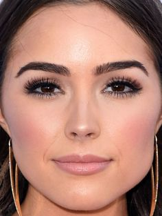 Close-up of Olivia Culpo at the 2015 ACM Awards. http://beautyeditor.ca/2015/04/20/acm-awards-2015