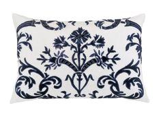 Mackie Small Rectangle Pillow White Linen / Navy Velvet (14 x 22) L233WM-V