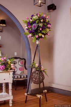 Diy Wedding Vases, Wedding Centerpieces, Wedding Decorations, First Communion Decorations, Island Theme, Rustic Wood Furniture, Modern Flower Arrangements, Bamboo Crafts, Diy Flowers