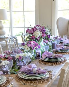 This Lavender and Mint Green Tablescape is perfect for summertime entertaining and paired with Yankee Candle Lavendar and Dried Oak scented candles. Dining Room Table Decor, Deco Table, Decoration Table, Centerpiece Decorations, Thanksgiving Table Settings, Beautiful Table Settings, Easter Table, Tablescapes, Spring