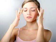 Avec cette série de postures fondamentales du hatha yoga, le plus connu en Occident, chacun travaille à son rythme. Les débutants s'initient sans difficulté, tandis que les autres s'entretiennent sans s'ennuyer. Petite leçon de yoga anti-stress a...
