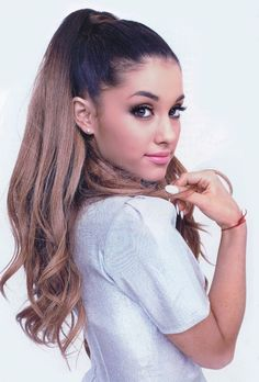 Ariana Grande high ponytail, love this look! Perfection at its finest! Spring Hairstyles, Ponytail Hairstyles, Prom Hairstyles, Pretty People, Beautiful People, Corte Y Color, High Ponytails, Dangerous Woman, Woman Crush