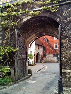 Winchester - Ancient and Glorious, Hampshire, England, Old Towns and Vallages of England, great for visiting and meeting up. Hampshire England, England Uk, Winchester Hampshire, Saint Leu, Places To Travel, Places To Visit, England Countryside, Foto Gif, England And Scotland