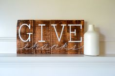 Reclaimed Wood Art Sign Give Thanks Thanksgiving by BooneCreekLoft I love the simplicity of this. Thanksgiving Crafts, Thanksgiving Decorations, Fall Crafts, Holiday Crafts, Happy Thanksgiving, Halloween Crafts, Holiday Ideas, Reclaimed Wood Art, Reclaimed Wood Projects