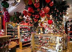 Find all the information you need for your trip to Montréal, from transportation and hotels to activities and restaurants. Old Quebec, Noel Christmas, Colorful Flowers, Sunny Days, Mario, Creations, Canada, Holiday Decor, Decoration