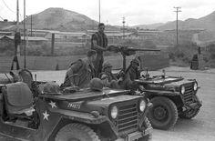 Escort vehicles for a convoy