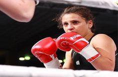 Raja Amasheh verteidigt WBC Silber Fliegengewichts WM live auf Eurosport