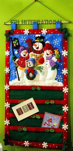 Bucilla Snowmen Greeting Card Holder Christmas Felt Kit