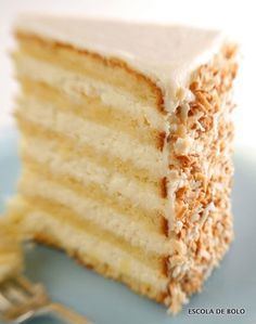 Ultimate Coconut Cake This delicious, multi-layered coconut cake is courtesy of Robert Carter from the Peninsula Grill, in Charleston, SC. This is THE coconut cake. Ultimate Coconut Cake Recipe, Coconut Cake Frosting, Coconut Cakes, Lemon Cakes, Lemon Frosting, White Frosting, Buttercream Frosting, Food Cakes, Cupcake Cakes
