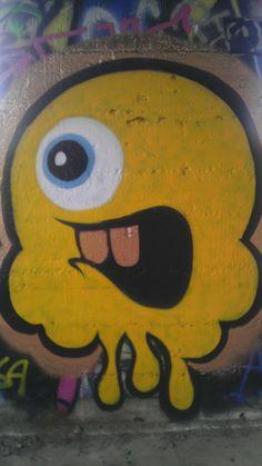 Riverside graffiti paint art faces cali inland empire