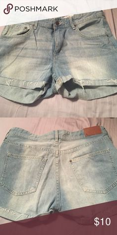 H&M boyfriend style high waisted shorts NWOT H&M boyfriend style denim shorts. Keep in mind these are high waisted and looser in the leg and waist for the boyfriend look. Never worn great condition. Size 10! H&M Shorts Jean Shorts