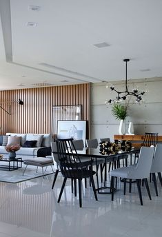 Making Your Living Room Look and Feel More Luxurious - Jessica Elizabeth Sala Grande, Plakat Design, Luxury Dining Room, Cool Apartments, White Rooms, Interior Design Kitchen, Decoration, Home And Living, Living Room Designs