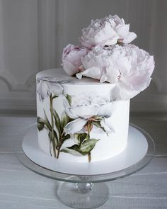 35 cakes that are a sin to eat: pastry .- 35 тортов, которые грех съесть: кондитерские … 35 cakes that are a sin to eat: confectionery Elena Gnut, photo number 6 - Wedding Cake Prices, Floral Wedding Cakes, Floral Cake, Mini Wedding Cakes, Purple Wedding, Gold Wedding, Beautiful Wedding Cakes, Beautiful Cakes, Indian Cake