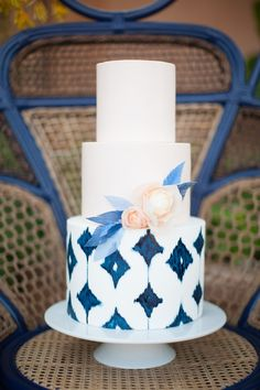 Such a fun ikat wedding cake! Cake by Hey There Cupcake, Photography by Diana McGregor