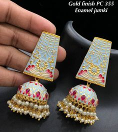Indian Bridal Jewelry Sets, Bridal Jewelry Vintage, Indian Jewelry Earrings, Silver Jewellery Indian, Jewelry Design Earrings, Ear Jewelry, Antique Jewellery Designs, Fancy Jewellery, Stylish Jewelry