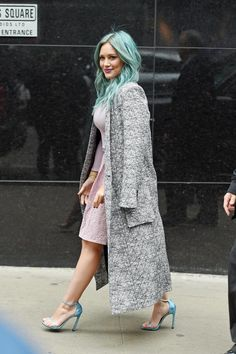 Hilary on her way to the Today's Show in NYC nails it in stilettos and a pastels. Click for more Younger!