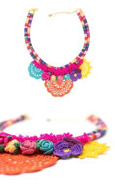 Bohemian Chic Leaf flower Crystal Beaded Crochet Handmade Bib Statement Luxury Necklace
