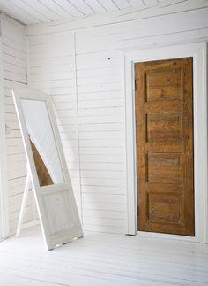 white interior in Fiskars village, Finland  photo:Riitta Sourander