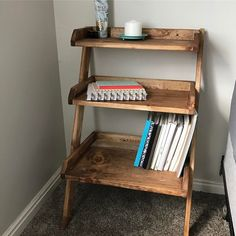 Leaning wall nightstand! (@sawdustandsaturdays)   http://www.ana-white.com/2015/08/free_plans/leaning-wall-ladder-desk