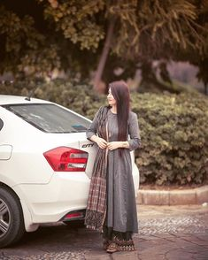 couple of the day 💕 Girl Photo Shoots, Girl Photo Poses, Girl Photography Poses, Girls Dp Stylish, Stylish Girl Images, Kurta Designs Women, Kurti Neck Designs, Cool Girl Pictures, Girl Photos