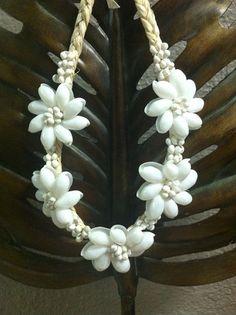 WHITE MONGO/BUBBLE shell necklace by hulamelani on Etsy